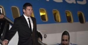 Lionel Messi desembarca em MG.