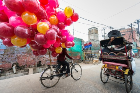 Balloons Being Delivered In Agra India