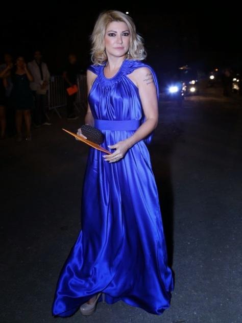 A atriz Antonia Fontenelle escolheu azul.