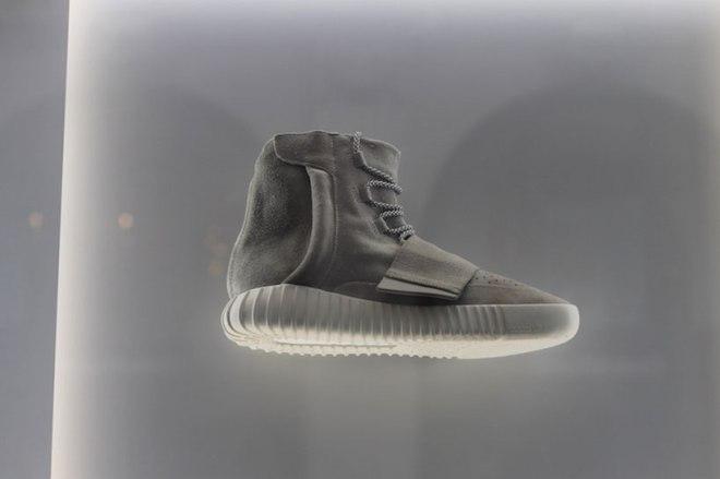 adidas-yeezy-750-boost-designboom03