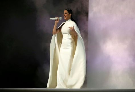 Katy-Perry-performs-at-the-57th-Annual-Grammy-Awards