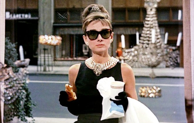 Audrey Hapburn-danish-breakfast-at-tiffanys
