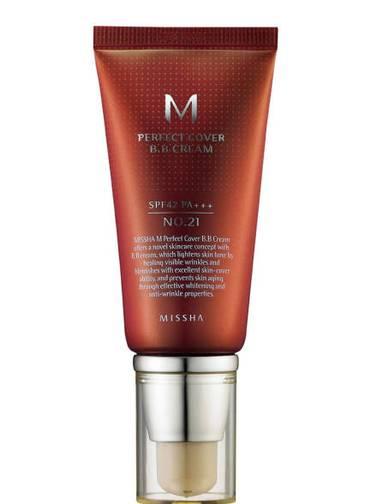 A marca coreana Missha deixa a pele com aspecto seco ao toque, mas com um tom bem natural, nem matte, nem com aspecto iluminado. Tem FPS 42.